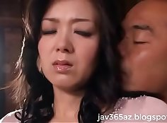 Casha-drenched Japanese Wife Bella A loves getting ring-fucked