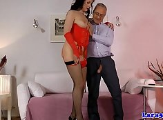 British mature lady in flowery lingerie gives her head