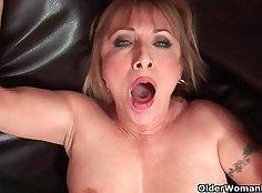 Kinky grandma with no stomach cumming