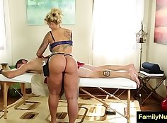 Big mommy gets fucked and cums in cock