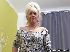 Big Mature Stud Jessica Jane Sucking On Cock
