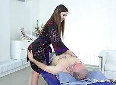 Chinese Girl Massage Sorta Faceta