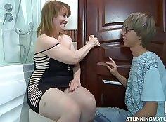 Big Tits Mature Jackie Harper getting fucked