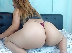 Crazy that sexy Latina with a lovely ass is chatting