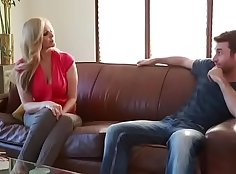 Sexy Stepmom Lovnt Let His Stepdaughter Take Note of Her BF