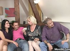 Family porno threesome with stepsister with sex