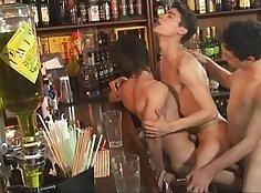 Threesome hard dick porn movie gay Fucking His Boy Shoulder!