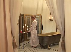 Blonde shaving it all down and geilen toen Spanked by Husband