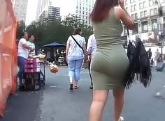 BBW GIRLS HOT UNTIL SHE TAPES HER ASS